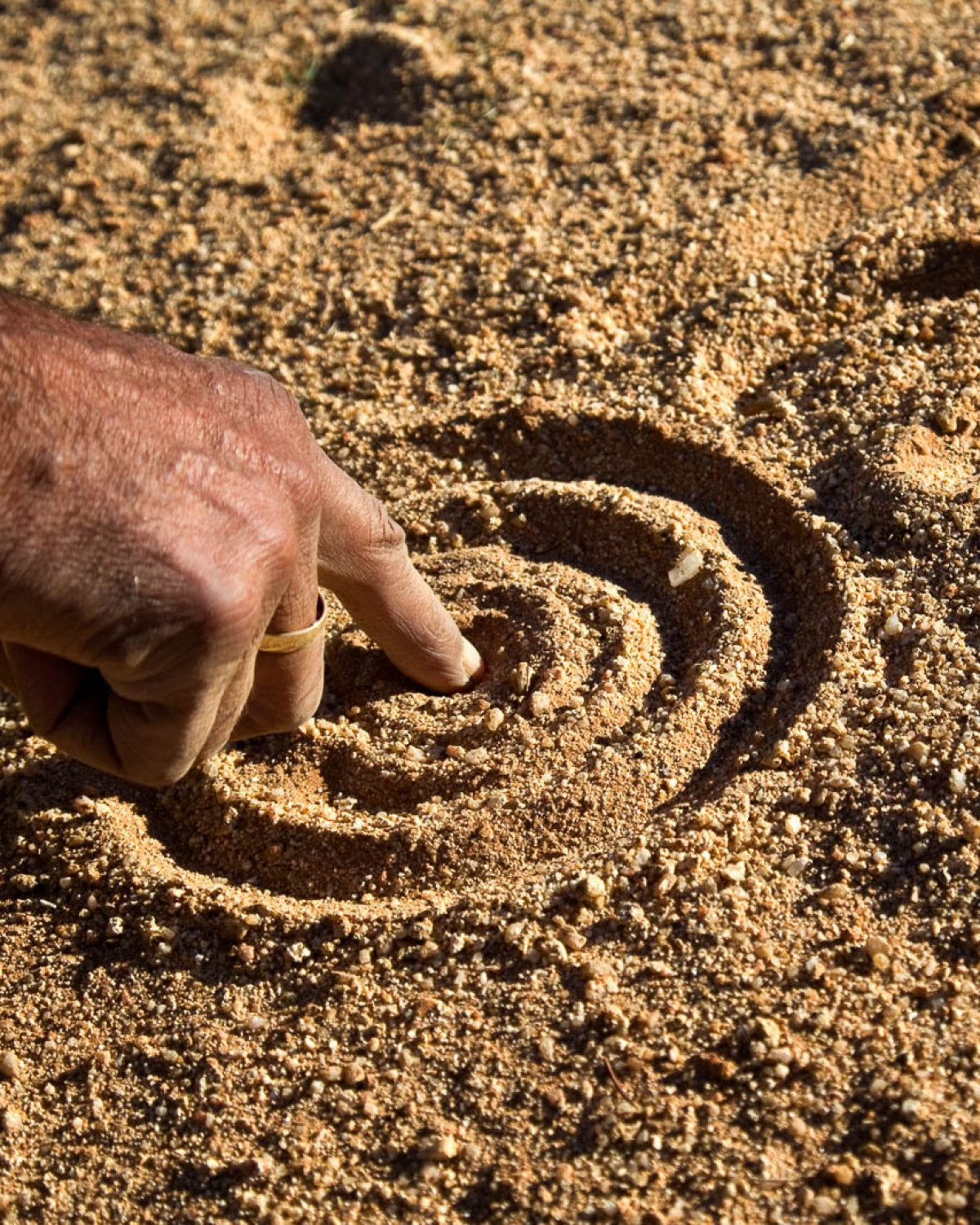 drawing lines in the sand as ochre sun sunscreen supports indigenous communities